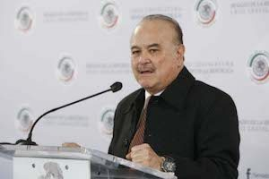 Ernesto Ruffo ratifica el proyecto fiscal panista